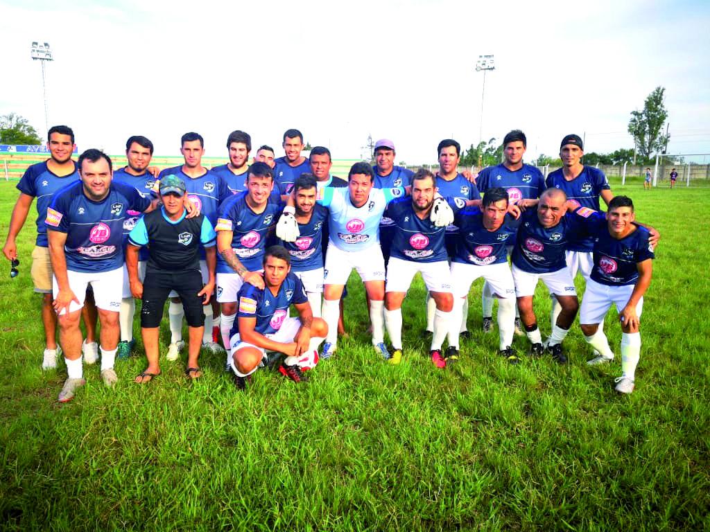 Serán seis los equipos que disputen este año el clásico campeonato de fútbol  entre empleados de la Intendencia de Salto. En la tarde de hoy desde las  18 30 ... fadbcc7e8d331