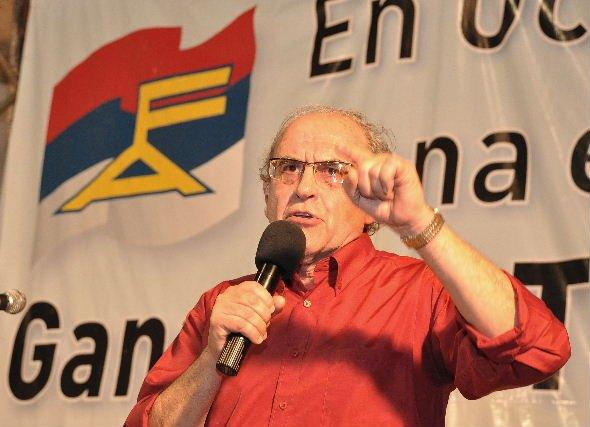 """A 48 años del Frente Amplio: Referente de la izquierda dijo que es tiempo  de """"reverdecer algunas ideas dormidas"""""""