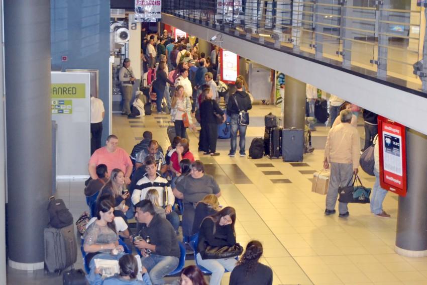 Terminal Shopping con intenso movimiento entre hoy mañana