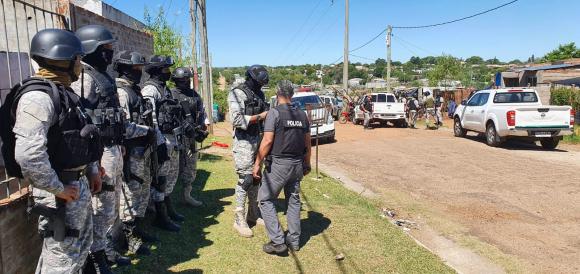 Más de 40 detenidos en mega-operativo en zona  sur de la ciudad que incluyó a 200 policías