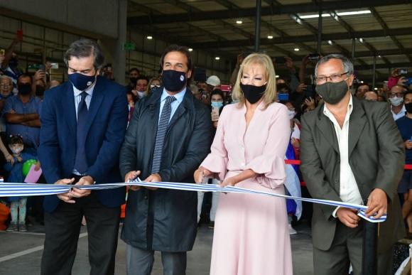 Lacalle Pou y Carolina Cosse inauguraron la Unidad Agroalimentaria Metropolitana