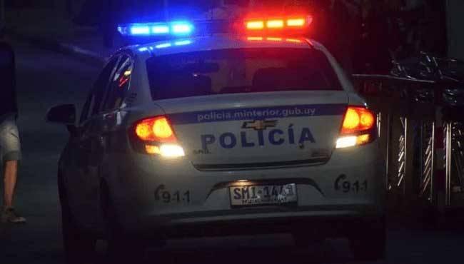 Policía disolvió reunión de más de 40 personas que estaban en un bar frente al Hospital Salto